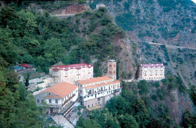Στερεά Ελλάδα - Ευρυτανία - Ιερά Μονή Προυσσού και ρολόι Ιερά Μονή Προυσού, Ευρυτανία