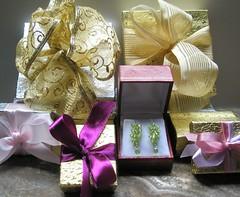 flower(0.0), lilac(0.0), petal(0.0), gift(1.0), purple(1.0), wedding favors(1.0), lavender(1.0), pink(1.0),