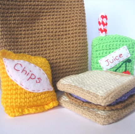 LUNCH MONEY PURSE Crochet Pattern - Free Crochet Pattern Courtesy