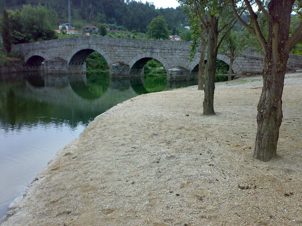 Les plages fluviales vers marco de canaveses le jardin for Vers du jardin