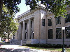 Historic Lee County Courthouse