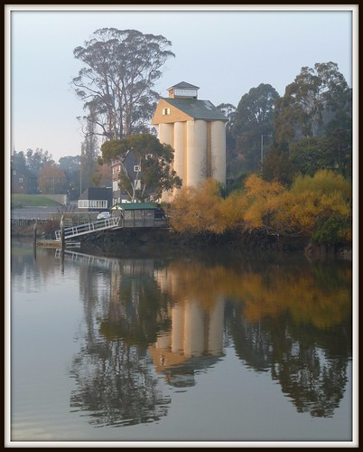 autumn sunrise silo tasmania launceston tamarriver
