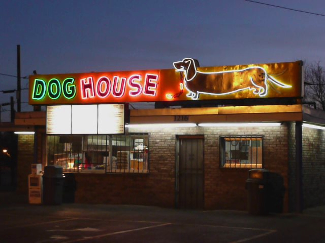 Albuquerque nm dog house neon sign flickr photo sharing for Dog house albuquerque