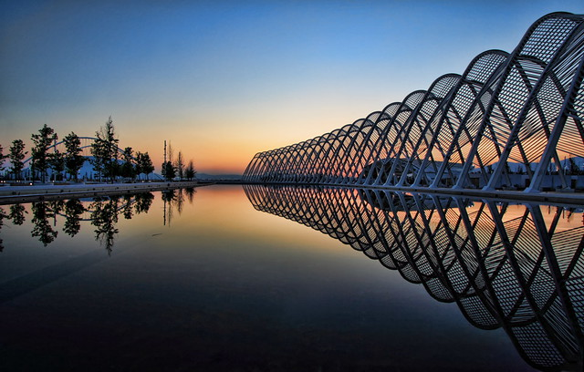 calatrava fire and ice:  to the west