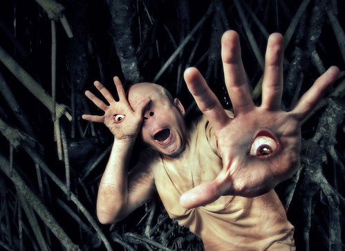 eye monster kids forest ojo hand niños bosque mano monstruo panslabyrinth laberintodelfauno