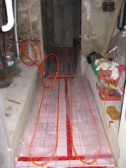 April 26th under floor heating installation of for 100 floors 26th floor