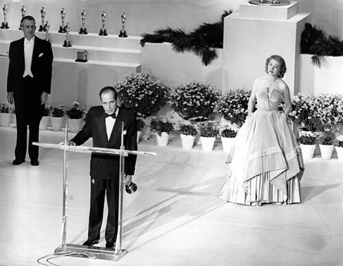 Humphrey Bogart win Oscar