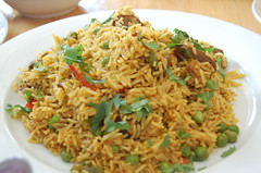 thai fried rice, food grain, yeung chow fried rice, rice, spanish rice, nasi goreng, arroz con pollo, hyderabadi biriyani, biryani, food, pilaf, dish, kabsa, fried rice, cuisine,