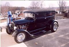 automobile, ford model a, wheel, vehicle, compact car, hot rod, antique car, sedan, ford model b, model 18, & model 40, classic car, vintage car, land vehicle, luxury vehicle, motor vehicle,