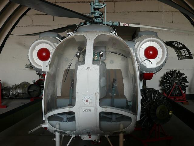 Front: Kamow Ka-26