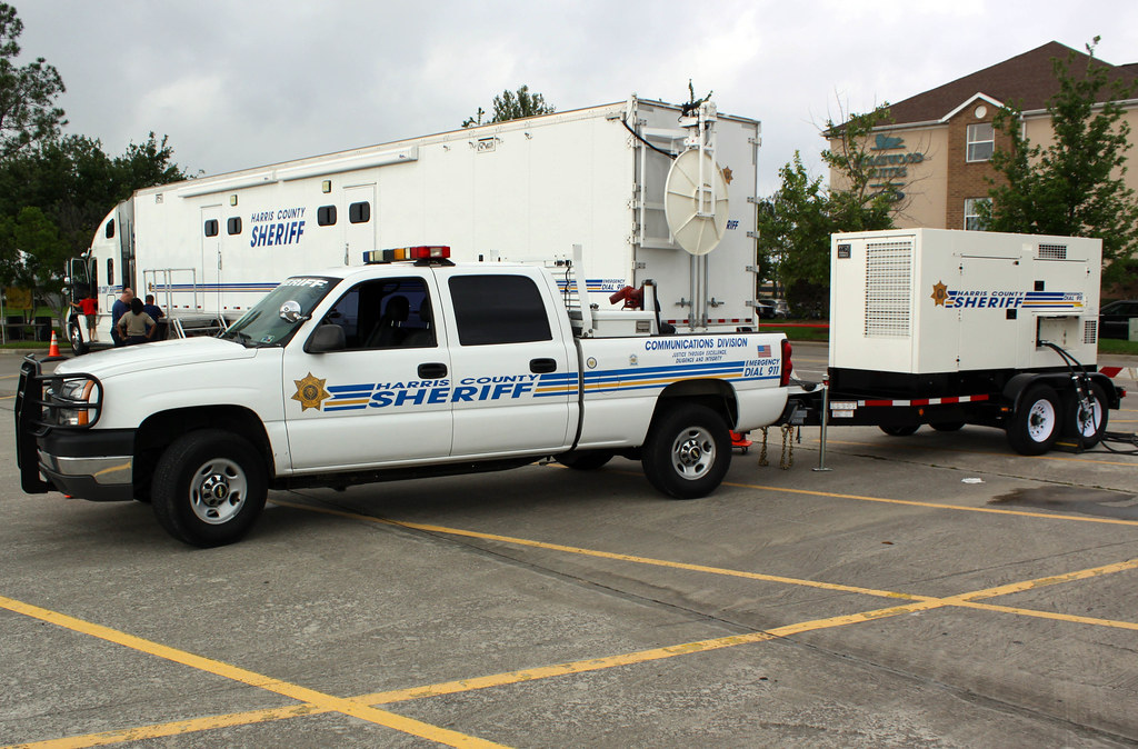 ... Harris County Sheriff Department, Houston Texas Mobile Dispatch Center Support Vehicle w/ MQ Gen