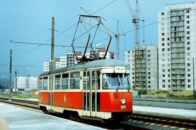 Tramvaj Tatra T1 a nove budovane sidliste Dubina Ostrava 1985