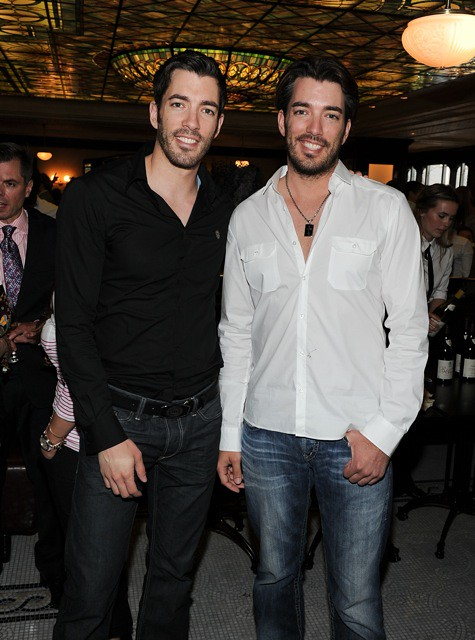 Jonathan and Drew Scott Shirtless http://www.flickr.com/photos/nkpr/5837560234/