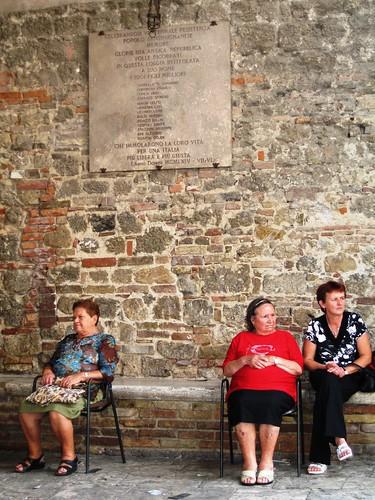 Local ladies, San Gimignano