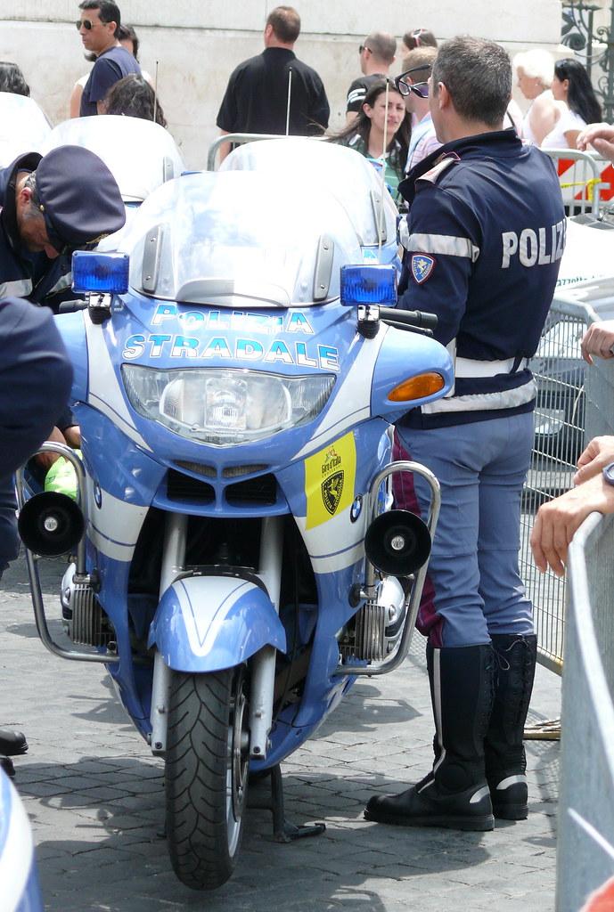 Polizia di Stato - Italian motorcycle police - a photo on Flickriver