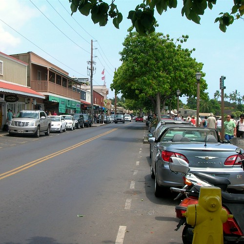 A look down Front Street in Lahaina, a shopper's paradise.