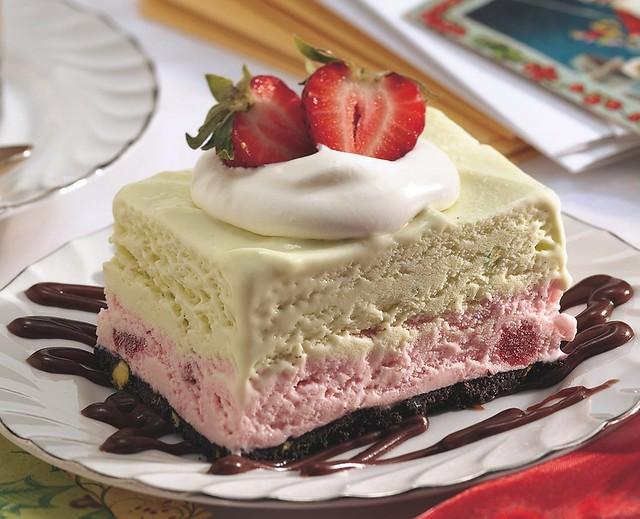 Frozen Strawberry-Pistachio Dessert Recipe | Flickr ...