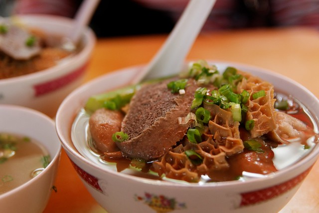 Beef tripe rice noodle 牛雜粉