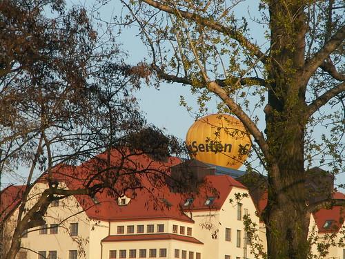 heftige Luftströmungen drohen den Ballon über Dresden fortzureißen auf der Suche nach meinem Ziel bin ich weiter gegangen, aber bevor die Lebensmittel alle waren konnte ich gehen 208