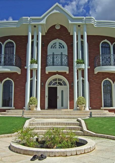 Brian Lara's House, Trinidad   - 140.7KB