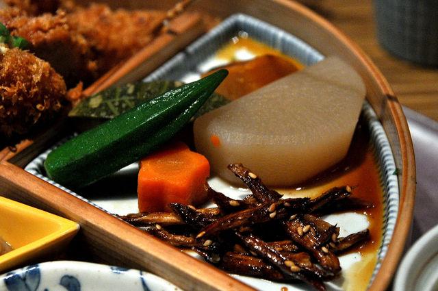 杏子豬排商業午餐-冷盤類