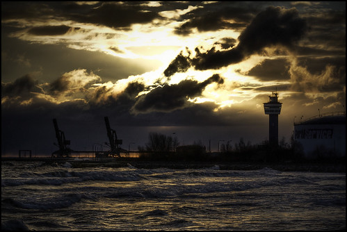 sea lighthouse storm clouds sunrise industrial harbour poland baltic gdansk gdańsk westerplatte tonemapped fhdr 5y12u3k sylwekeu