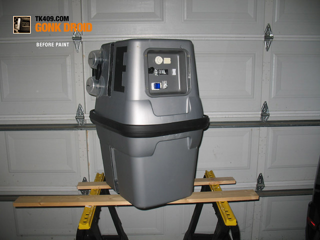 GONK Droid costume: How-to