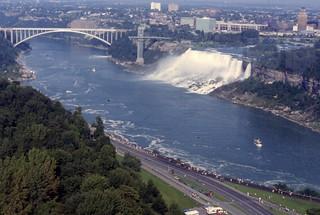 Niagara Falls, Rainbow Bridge