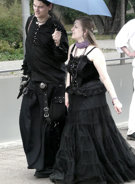 WGT 2011 - goth couple | Flickr - Photo Sharing!