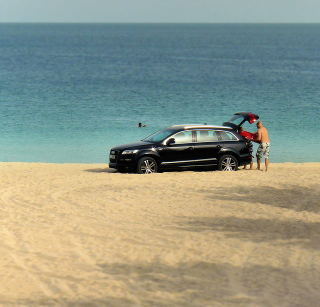 Dubai Beach drive-in