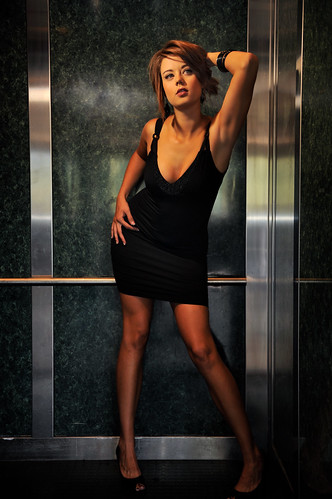 woman sexy elevator kpa pasoroblesca modelmayhem nikond700 nikonsb900 illusivephotographycom antipordaphotographycom toreynicole