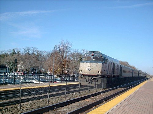 Southbound Amtrak Hiawatha train arriving in Glenview Illinois. Early November 2007. by Eddie from Chicago