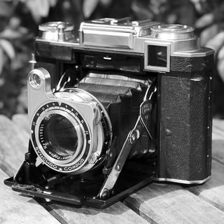 "A Zeiss Ikon camera - """"Super Ikonta 533/16"""" in original leather ..."