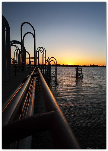 sunset pier louisiana downtown dusk batonrouge mississippiriver handrail riverfront mrgreenjeans gaylon artistpicks gaylonkeeling
