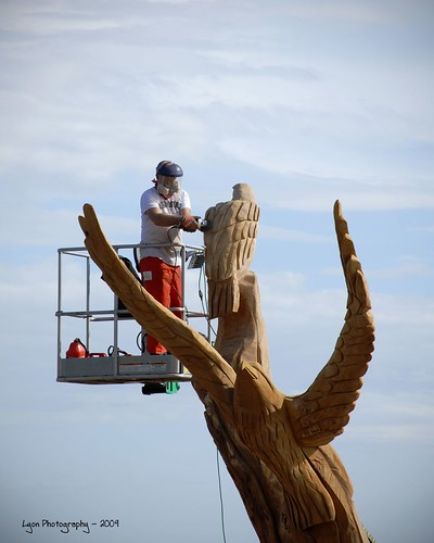 Biloxi carvings bringing back life vanity