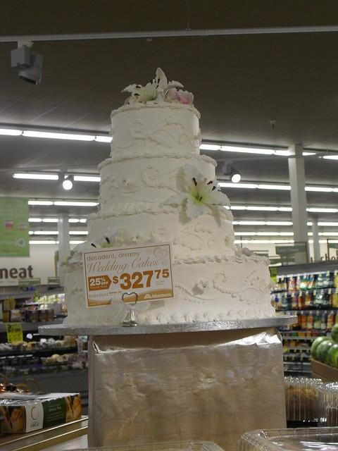 Albertson Wedding Cakes Albertson 39 S Wedding Cake On Sale Just Wondering