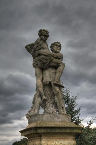 Hercules kills Antaeus