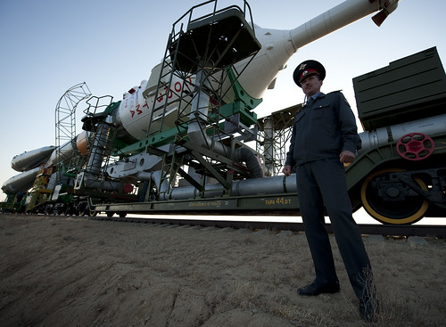 Expedition 21 Soyuz Rollout (200909280007HQ)