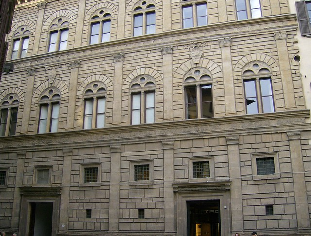 an analysis of the palazzo ruccelai For the next twenty years of his life, he contributed to a number of notable buildings, including the facades of sta maria novella and the palazzo rucellai, the tempio malatestiano, and the church of san andrea.
