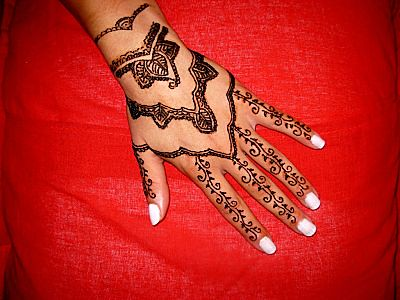 Henna Tattoos on Henna Tattoo Hand Design