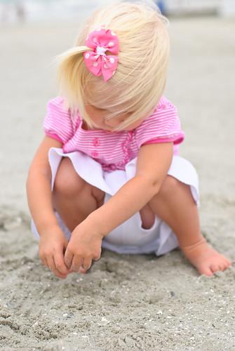 family baby beach myrtlebeach nikon nikkor50mm d80 beginnerdigitalphotographychallengewinner storybookwinner