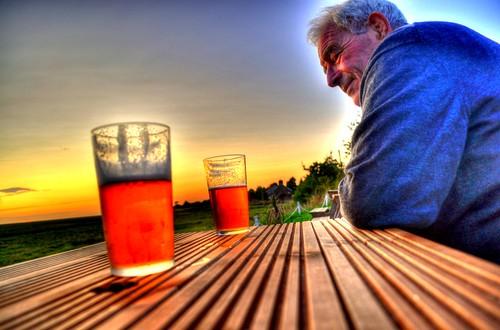 sunset england beer drink ale pint wirral marshes mywinners littleneston sunlightlocalbrewharpinn