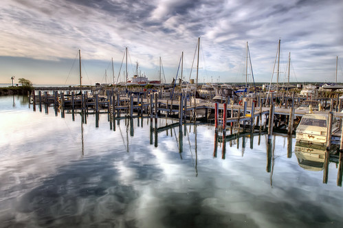 sky lake reflection water clouds mi marina boats island nikon michigan hdr lakehuron mackinac d300 mackinawcity photomatrix 5exp nikonafsdx1755mmf28g