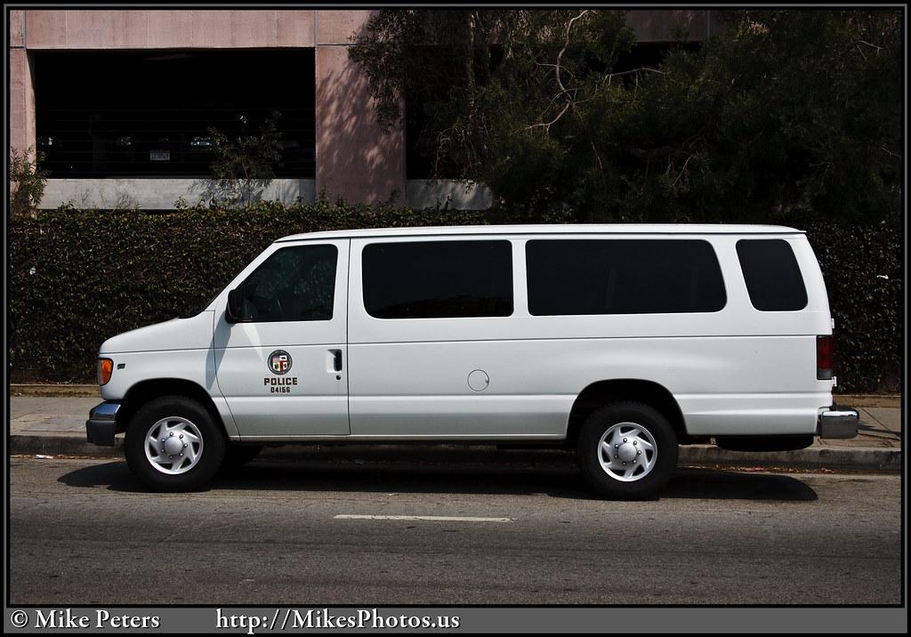 081609-WilshireDiv-LAPD-Van-012
