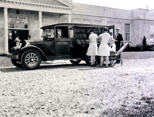 Bookmobile, 1926-28