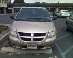 automobile, sport utility vehicle, dodge, vehicle, minivan, compact sport utility vehicle, dodge caravan, land vehicle,