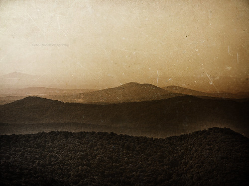 county bw mountain mountains texture beautiful misty sepia rural ga georgia view darkness air zeppelin peaceful atmosphere fresh led hop tones dreamcatcher lumpkin nonhdr