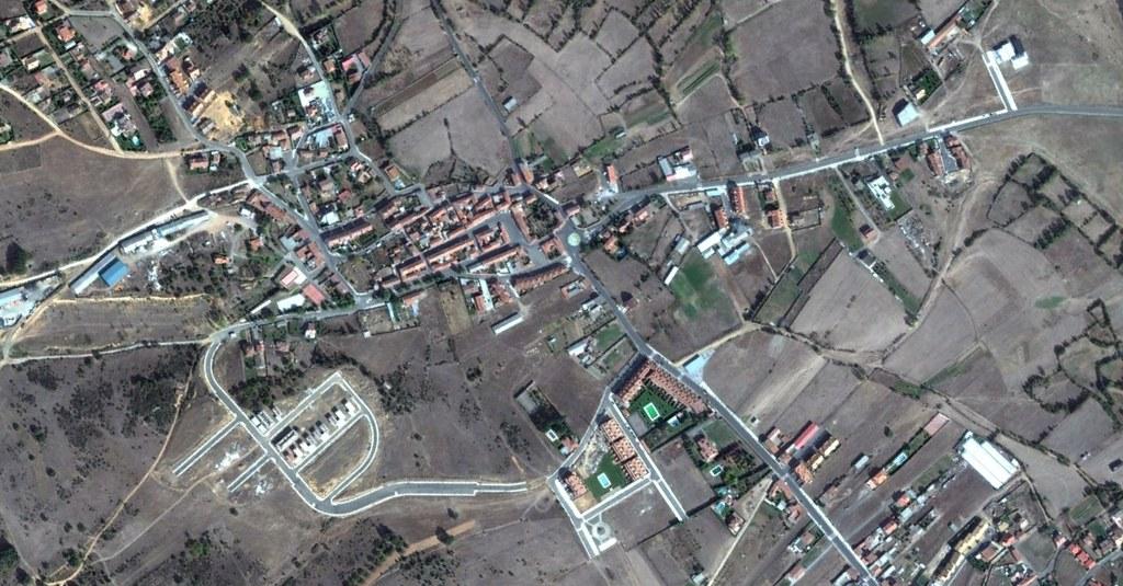 pobladura de bernesga, sariegos, león, calles telescópicas, después, urbanismo, planeamiento, urbano, desastre, urbanístico, construcción, rotondas, carretera