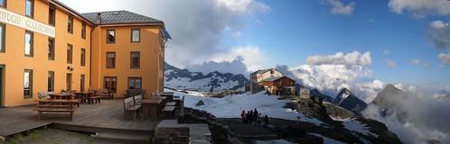 Rifugio Guglielmina (2880m)