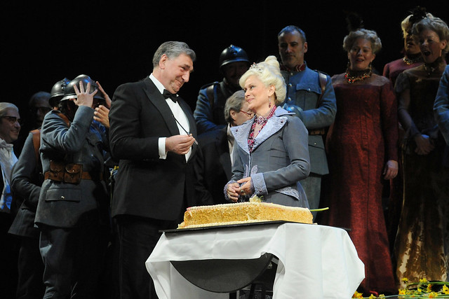 Kiri Te Kanawa celebrates her 70th birthday after a performance of  La Fille du régiment
